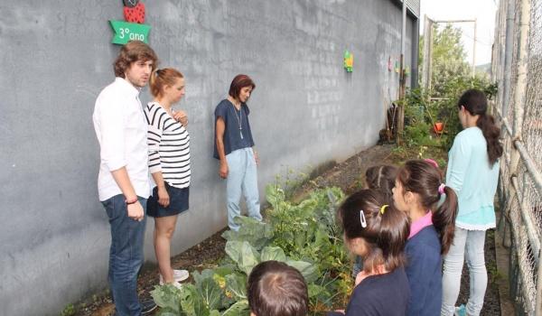 """O Centro Municipal de Valências realizou Workshop sobre """"A água como um dos constituintes dos alimentos que consumimos – confeção de sopa"""" para os alunos 1.º ano do Agrupamento de Escolas"""