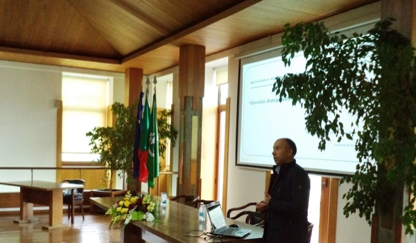 """Câmara Municipal recebeu palestra sobre """"Agricultura e vizinhança"""""""