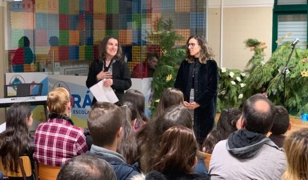 """""""EM TORNO DOS LIVROS E DA LEITURA"""" na Escola Básica de Rio Caldo"""